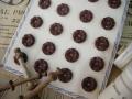 フランスアンティークプラスチックボタン(フラワーシェイプブラウンS)