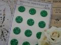 フランスアンティークプラスチックボタン(フラワーシェイプビビットグリーンL)