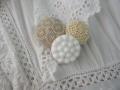 フランスアンティークガラスボタンとクロスステッチモチーフとビーズ刺繍のブローチ