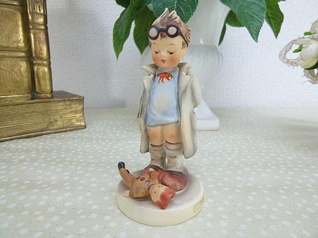 フンメル人形 ドクター
