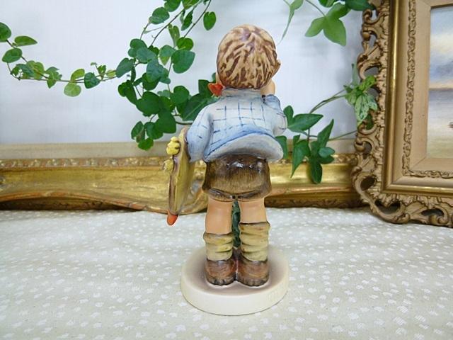フンメル人形 絵を描く男の子
