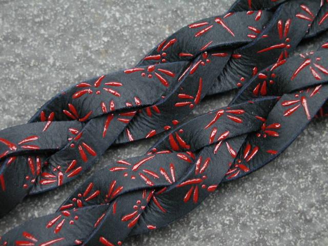 印伝三つ編面乳革 トンボ 黒×赤