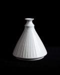 阿南維也 白磁鎬花瓶(B)