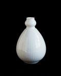 阿南維也 白磁鎬花瓶
