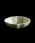 ヨシノヒトシ 青瓷輪花鉢(M)