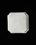 ヨシノヒトシ 白瓷隅入板皿(S)
