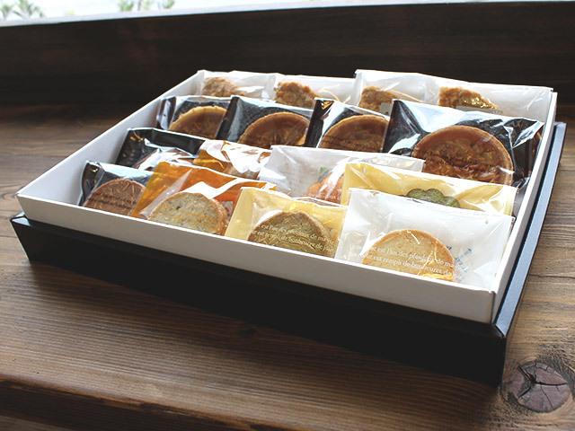 【送料無料☆】お得な詰め合わせセット♪焼き菓子詰め合わせ16個入り