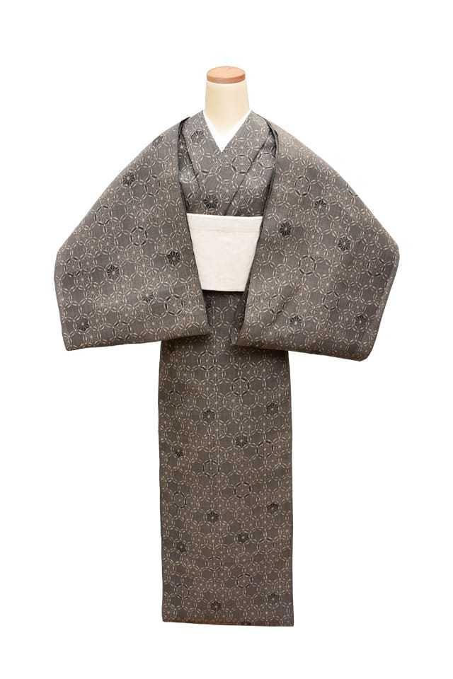 【反物】女性 『松煙染小紋』七宝繋ぎ 麻の葉模様