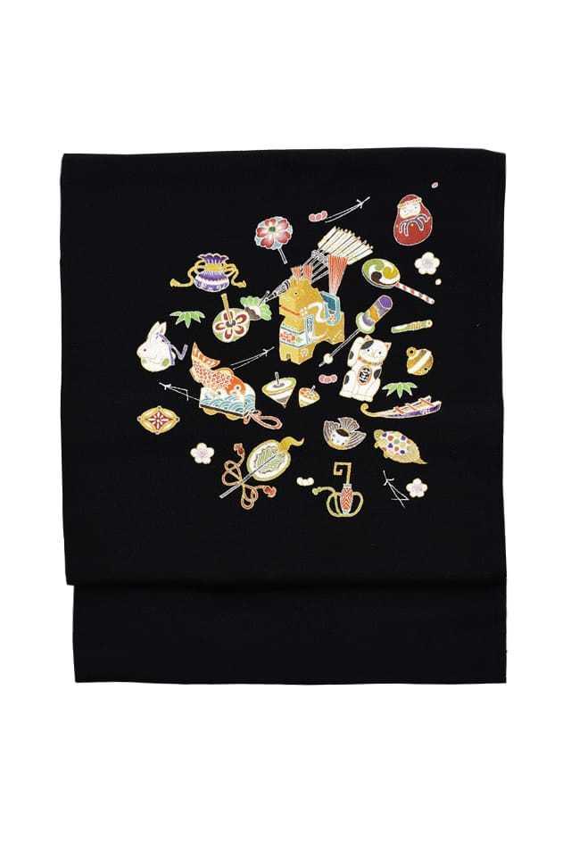 『染名古屋帯』手描友禅 玩具と吉祥紋 黒地
