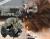 親子お揃いシュシュ(ペアヘアアクセサリー)専門店ジュメル格子ブラックサテンママシュシュ【出産祝い/誕生日/妻/クリスマス】メイン
