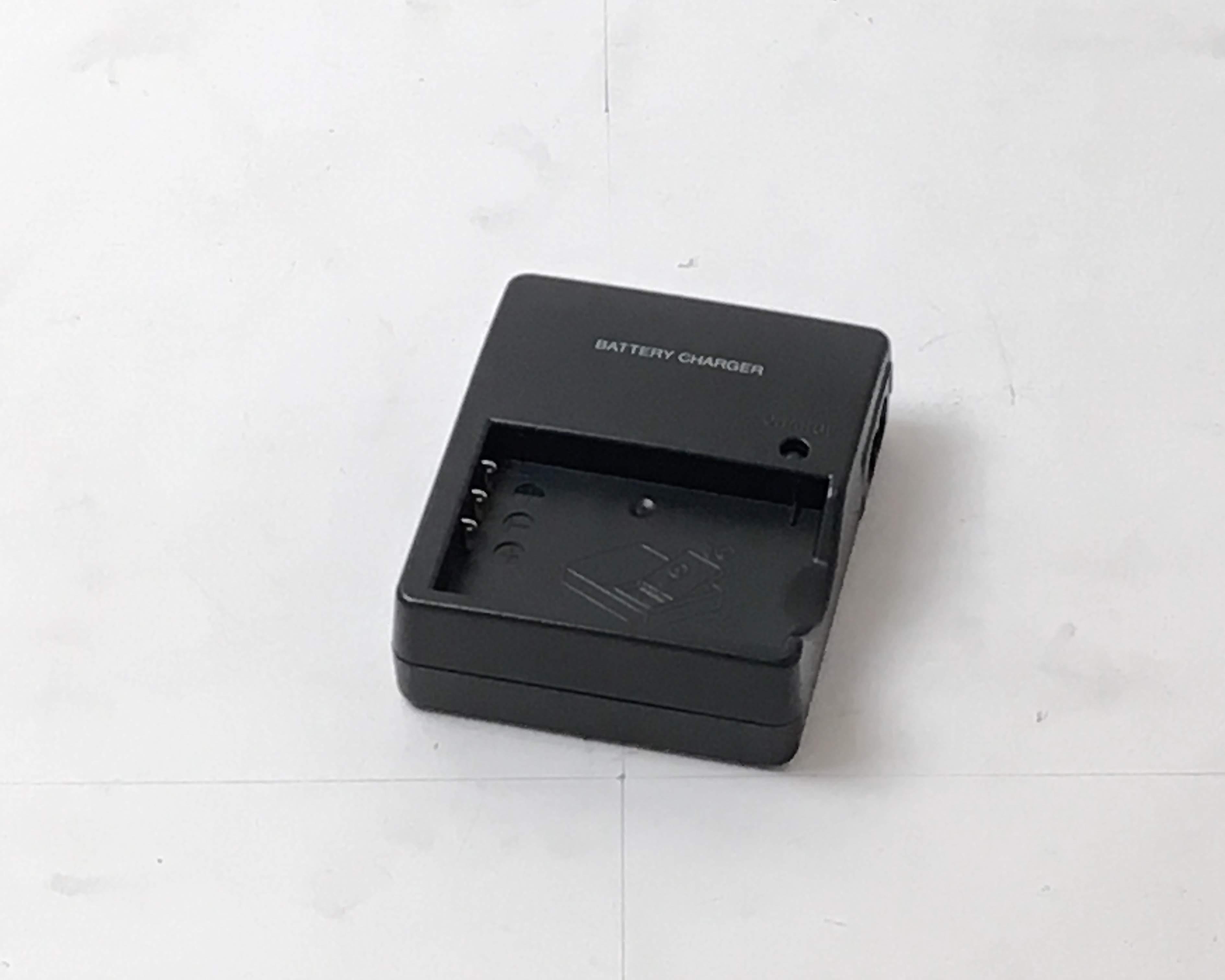 【中古】リチウムイオンバッテリー急速充電器 MRC-1000 本体画像