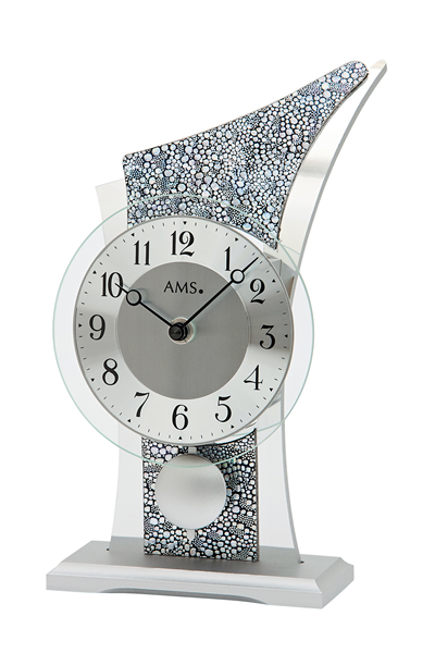 スタイリッシュなデザイン置き時計。AMS1136