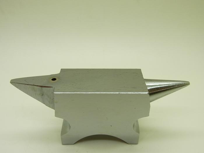 AB-30   精密角付アンビル  520g