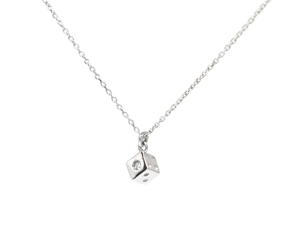 サイコロ型ダイヤモンド付きネックレス