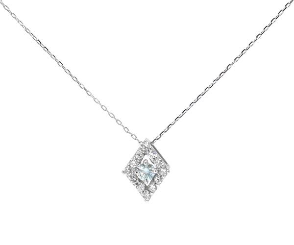アイスブルーダイヤ菱形ネックレス