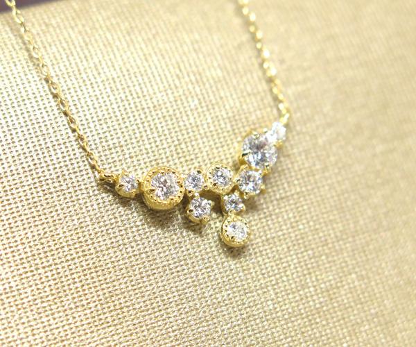 ダイヤ10石デザインネックレス