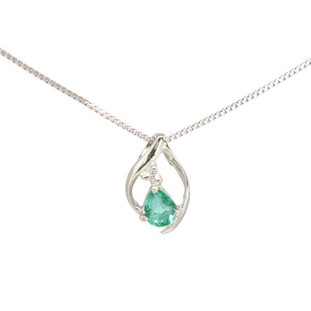 エメラルド&ホワイトダイヤモンド付きネックレス