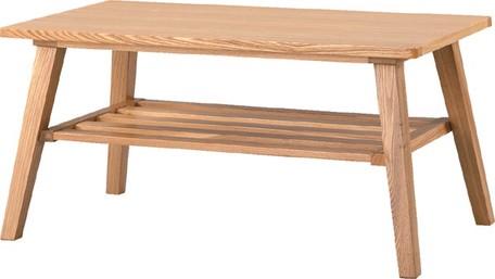 木目が美しいやさしい雰囲気のナチュラルなテーブル