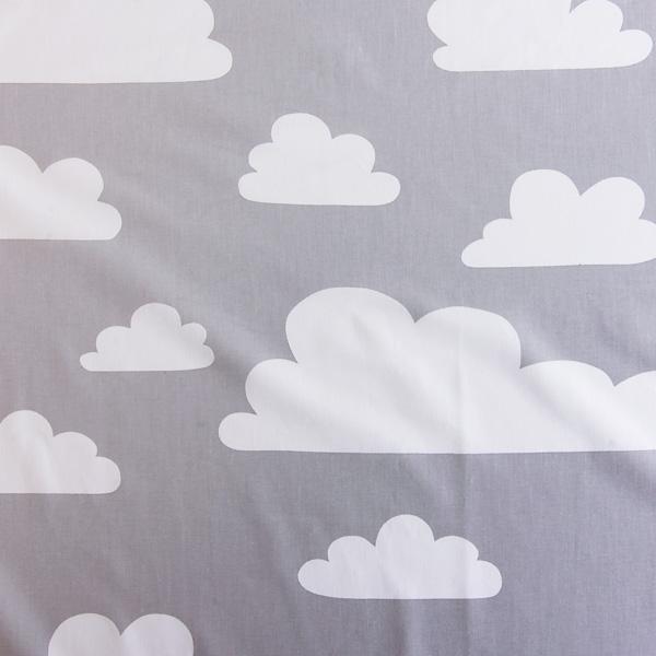 FARG&FORM/フェルグ&フォルム/CLOUDS(雲柄)/ファブリック(幅75cm×長さ50cm単位で切り売り)/グレー