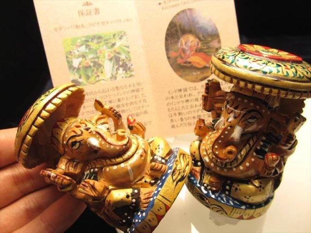 彩色タイプ 人気 夢を叶える象 極上一級手彫り彫刻 カダンバ木彫りガネーシャ置物 高さ約6.5cm 保証書付き