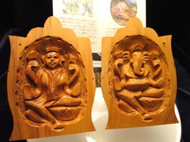 合掌 人気 夢を叶える象 極上一級手彫り彫刻 カダンバ木彫りガネーシャ置物 合掌タイプ 高さ約10cm 保証書付き