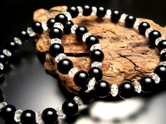 激安 メール便対応 オニキス&水晶ブレス 8ミリ&ボタン M~L(17~18cm前後)サイズブレス 極上天然石 パワーストーン
