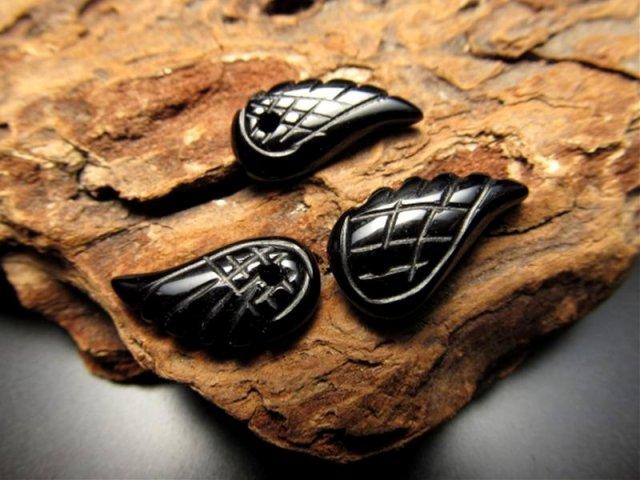 新入荷 天使の羽 天然石ビーズ 1個289円 約16×9mmサイズ 全5種 オニキス