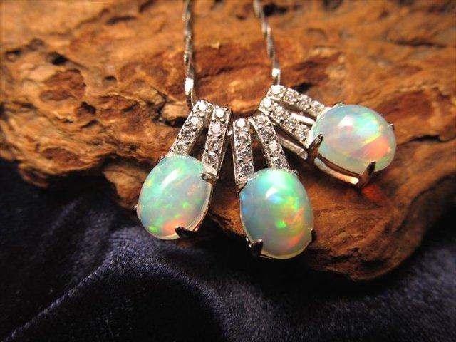 ジルコニア装飾タイプ(銀) 超透明宝石質 5Aプレシャスオパール ペンダントトップ 蛋白石 ジルコニア付き Silver925 縦約16ミリ(石約9mm) シルバーカラータイプ
