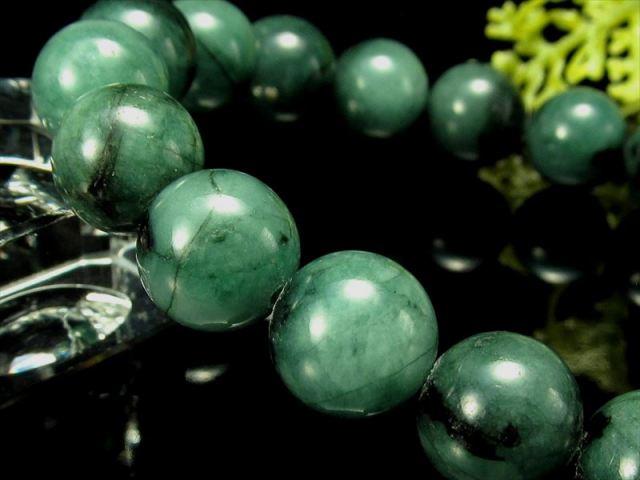 鮮やかなミントグリーン 4A エメラルド ブレスレット 8.5mm-9mm×22珠 叡智の象徴 自分と周りを癒す石 1点もの ブラジル産 sai