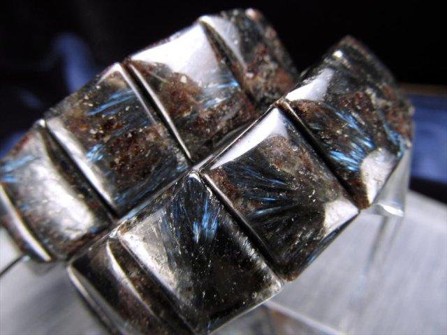 希少石【ヌーマイト バングルブレスレット】 幅約16.5mm レクタングルタイプ まるで流星 ブルーシルバー&ゴールドの輝き 【グリーンランド産】
