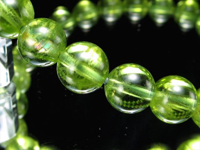 4A 珍しい虹入り 超透明 ペリドット ブレスレット 7mm-7.5mm×25珠 (かんらん石) オリーブグリーン 8月誕生石 煌めく黄緑色 イブニングエメラルド 夜の宝石 一点もの ミャンマー産 sai