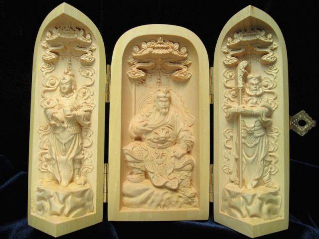 劉備 関羽 張飛 観音開き 5A極上手彫り 木彫り 三国志像置物 高さ約100-105mm 風水やインテリアに