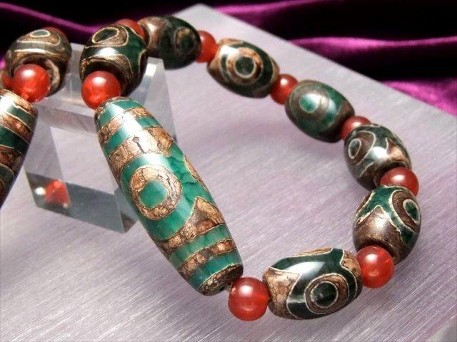 天珠2サイズ型 人気の天珠商品 緑龍紋天珠ブレスレット 三眼天珠タイプ メイン天珠長さ約39mm 手首サイズ約16cmまで of