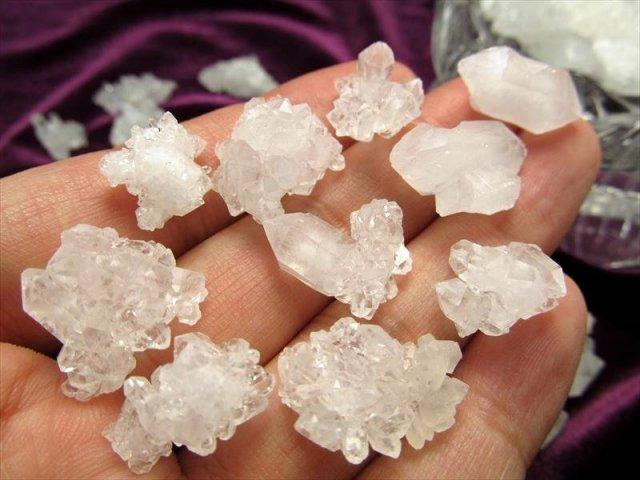 Mサイズ 天然クリスタル詰め合わせ 小さな水晶クラスター たっぷり250グラム入り 水晶結晶詰め合わせ 平均結晶サイズ2.0cm前後 モロッコ産