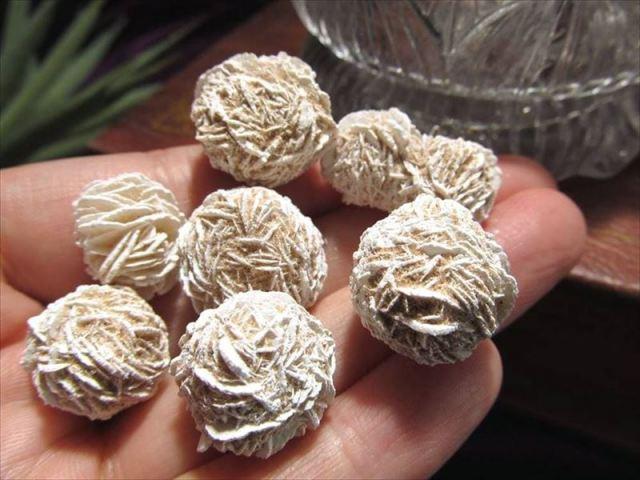 大自然のアート 砂漠のバラ デザートローズ(ジプサム ローズ) SSサイズ500gセット サイズ約1-3cm メキシコ産 TC