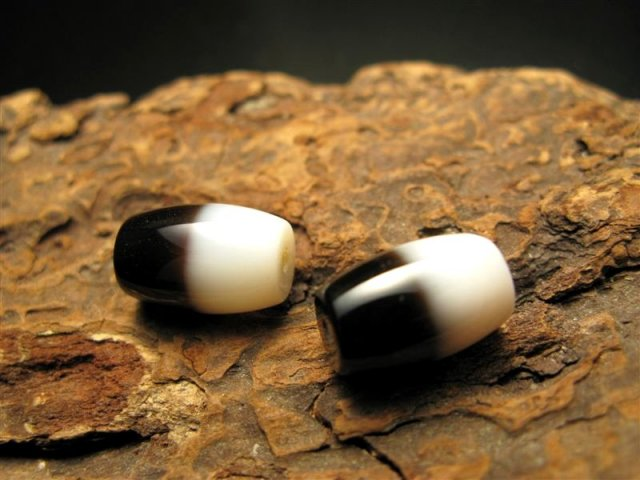 小天珠 A至純天珠 黒白天珠(くろしろてんじゅ) サイズ:約14ミリ 極上 天然石 ビーズ パワーストーン