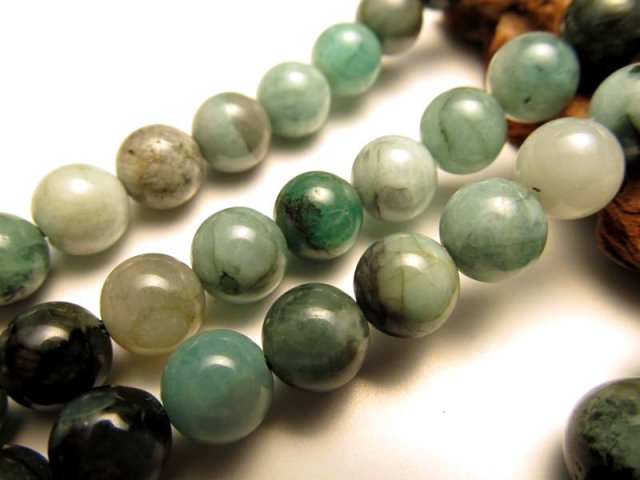 8mm珠 一連 エメラルド 翠緑玉 約40cm