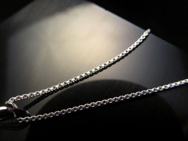 高品質Silver925パーツ ペンダントトップの相方 ベネチアンチェーン チェーン長さ40cm 幅約0.9mm 金具最大幅約3.2mm CHN147