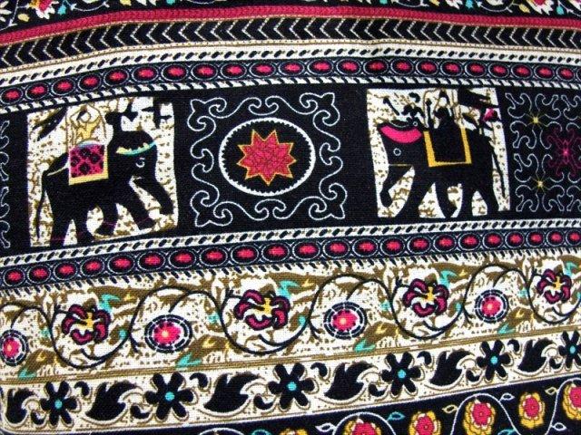 アジアン 布製バッグ (ゾウさん柄・茶色系) ショルダーバッグ 幅350mm 外ポケット×1 内ポケット×2