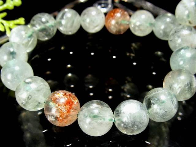 希少なアルーシャ産 アルーシャサンストーン(フェルドスパーサンストーン) ブレスレット 8mm-8.5mm×23珠 ふんわりグリーンに映えるオレンジのアベンチュレッセンス 太陽の石 一点もの タンザニア アルーシャ州産 sai