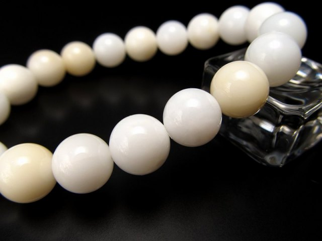 3A ホワイトオパール ブレスレット 9.5mm-10mm×19珠前後 美しさのお守り ピュアな白いオパール マダガスカル産