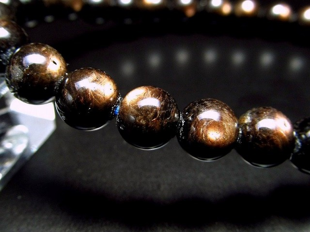 3A+ ゴールドシラー サファイア ブレスレット 6.5mm-7mm×29珠 神秘の輝き ブラックゴール 黄金色のシラーを放つサファイア 一点もの ミャンマー産