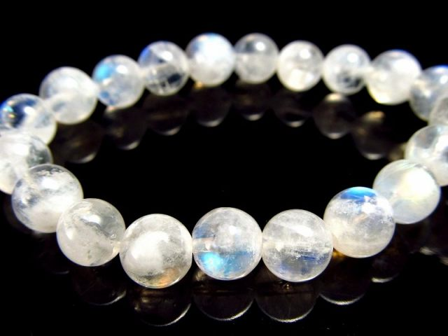 透明 4A ブルームーンストーン ブレスレット 6mm-6.5mm×31珠 大人気ブルーシラー 愛 女性性の象徴 月の石 6月誕生石 一点もの インド産