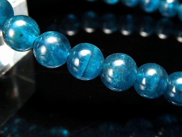 透明感抜群 3A+ 濃色ネオンブルー ネオンブルーアパタイト ブレスレット 6mm-6.5mm×29珠 優美な海をぎゅっと詰め込んだ様な瑞々しさ 絆を強める石 燐灰石 1点物 ブラジル産