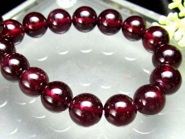 透明感抜群 アルマンダイン ガーネット ブレスレット 8mm-8.5mm×22珠 努力が実る石 上質な真紅の宝石 柘榴石 1点もの インド産