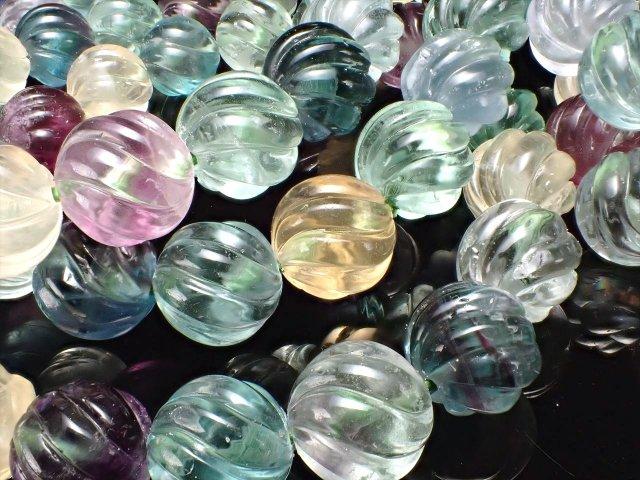 マルチカラーフローライト 蛍石 ウェーブカットブレスレット 約12mm×17珠前後 美しいグリーンやイエローの蛍石 透明感あり アメリカ産