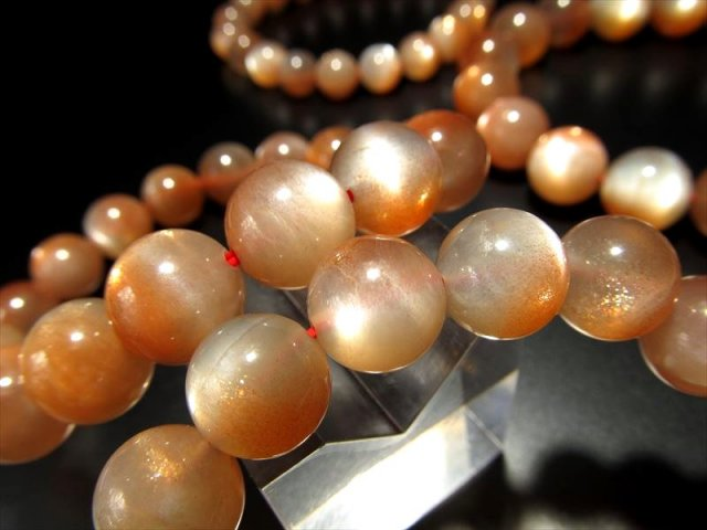 バイカラーオレンジムーンストーンブレスレット 8.5mm-9mm×23珠前後 極上アベンチュレッセンスの煌き 永遠の愛の象徴 インド産