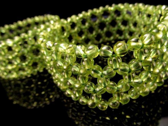 ペリドット(かんらん石)編み込みブレスレット 約3.5mm珠使用 ブレス約23mm つぶつぶ編み込みブレス ミャンマー産