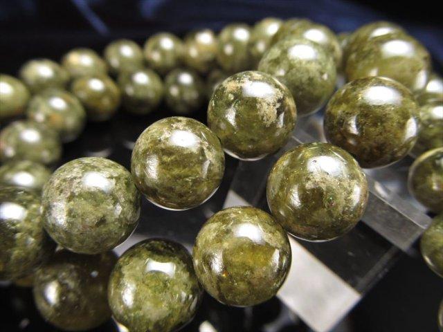 【グリーンガーネット(ツァボライト)ブレスレット】 10mm-10.5mm×19珠前後 濃いリーフグリーンカラー ネガティブな意識や悪いエネルギーから守る石 【タンザニア産】