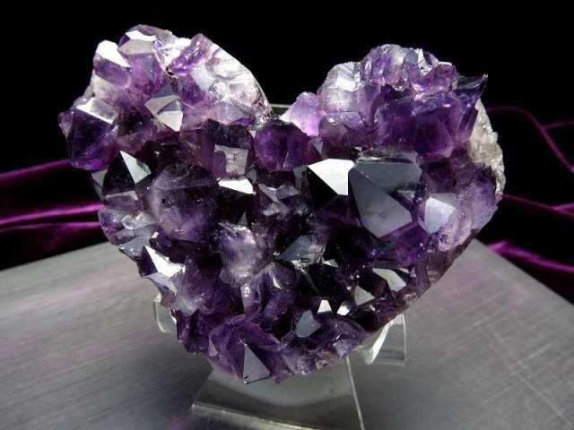 4A+ アメジスト ハート型クラスター 最大幅約90mm 重さ347g 極上 濃厚パープル&美結晶 愛の守護石 紫水晶 1点物 ウルグアイ産